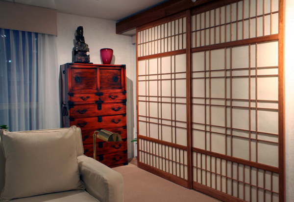 Custom shoji screens with fancy kumiko pattern